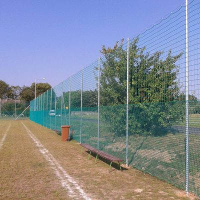 Umzäunungen für Sportplätze - TOP FENCE